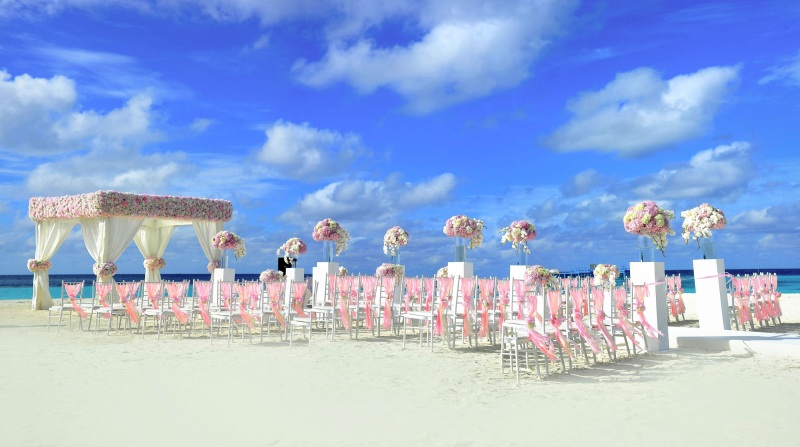 Beach wedding picture